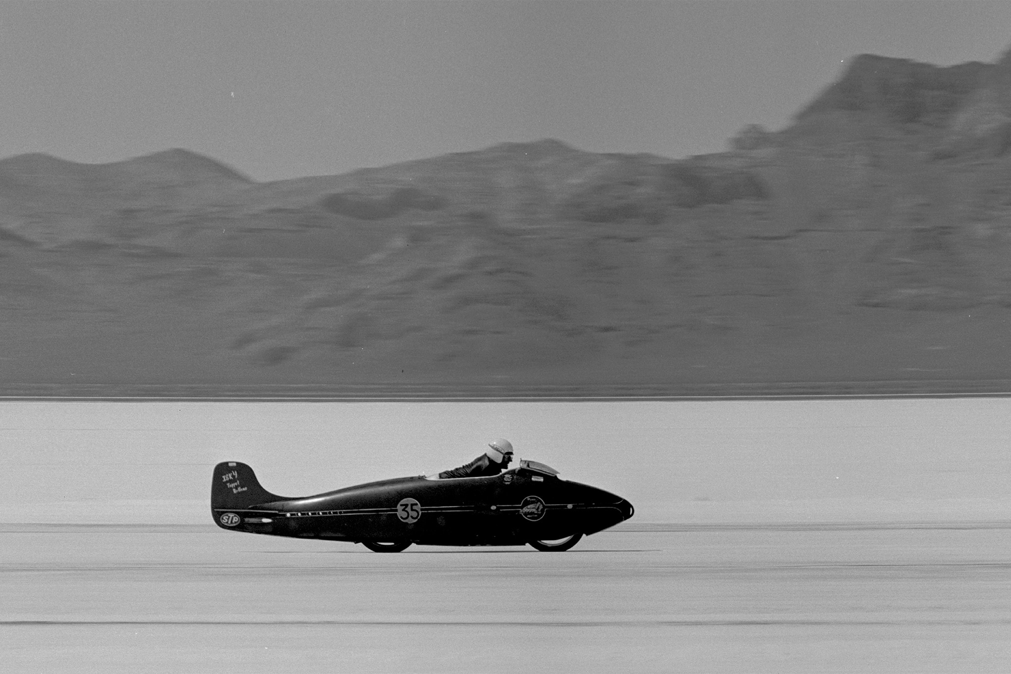 14-struggles-1964-bonneville-cycle-action-side-first-in-sequence
