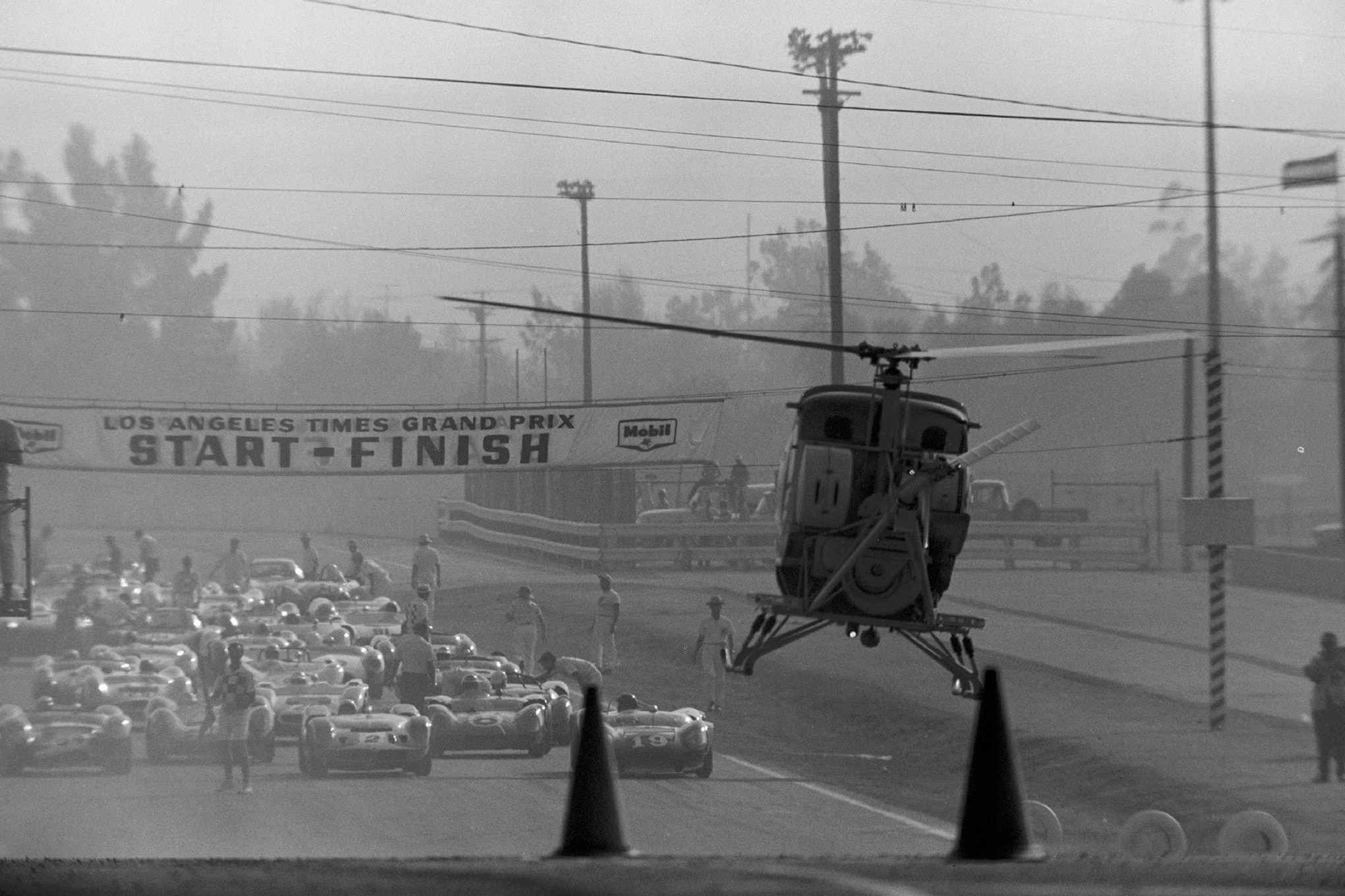 24-struggles-1964-riverside-copter-crash-action-rear-first-in-sequence