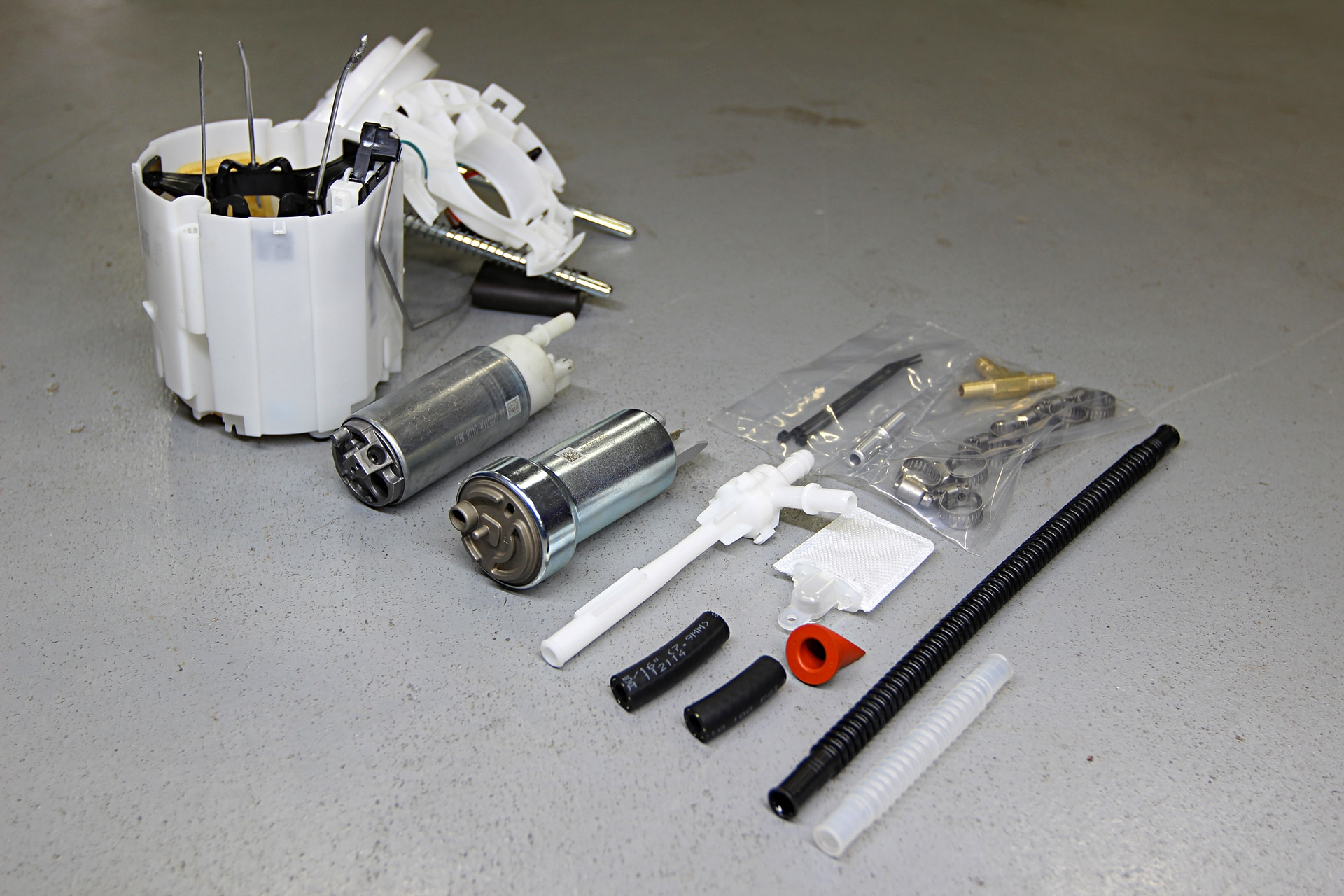 hight resolution of feeding the larger injectors is important so procharger includes a 400 lph fuel pump