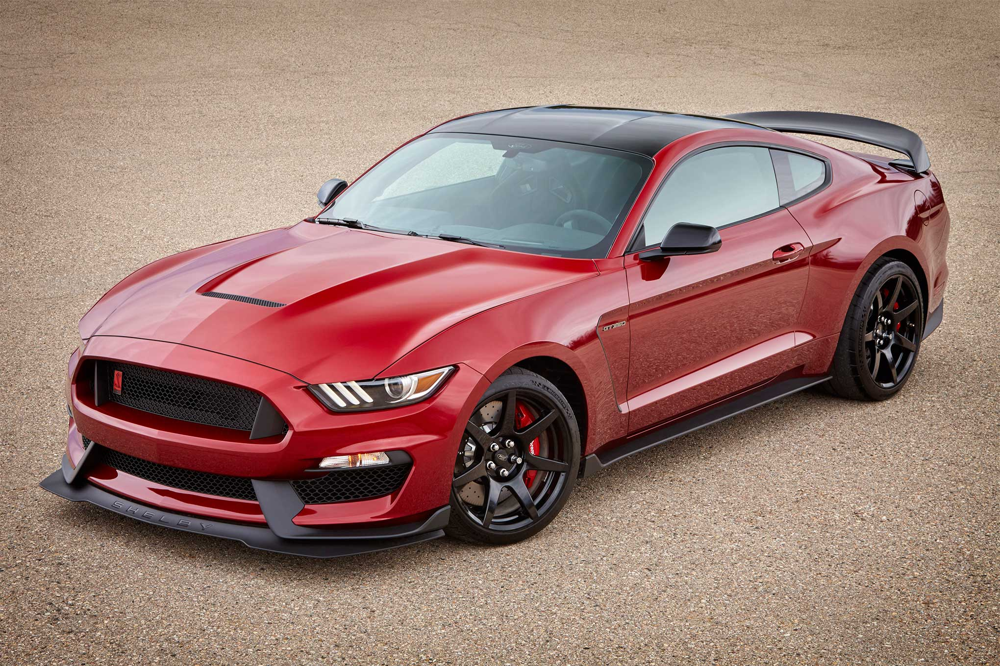 ford-mustang-gt350-return-2018-004