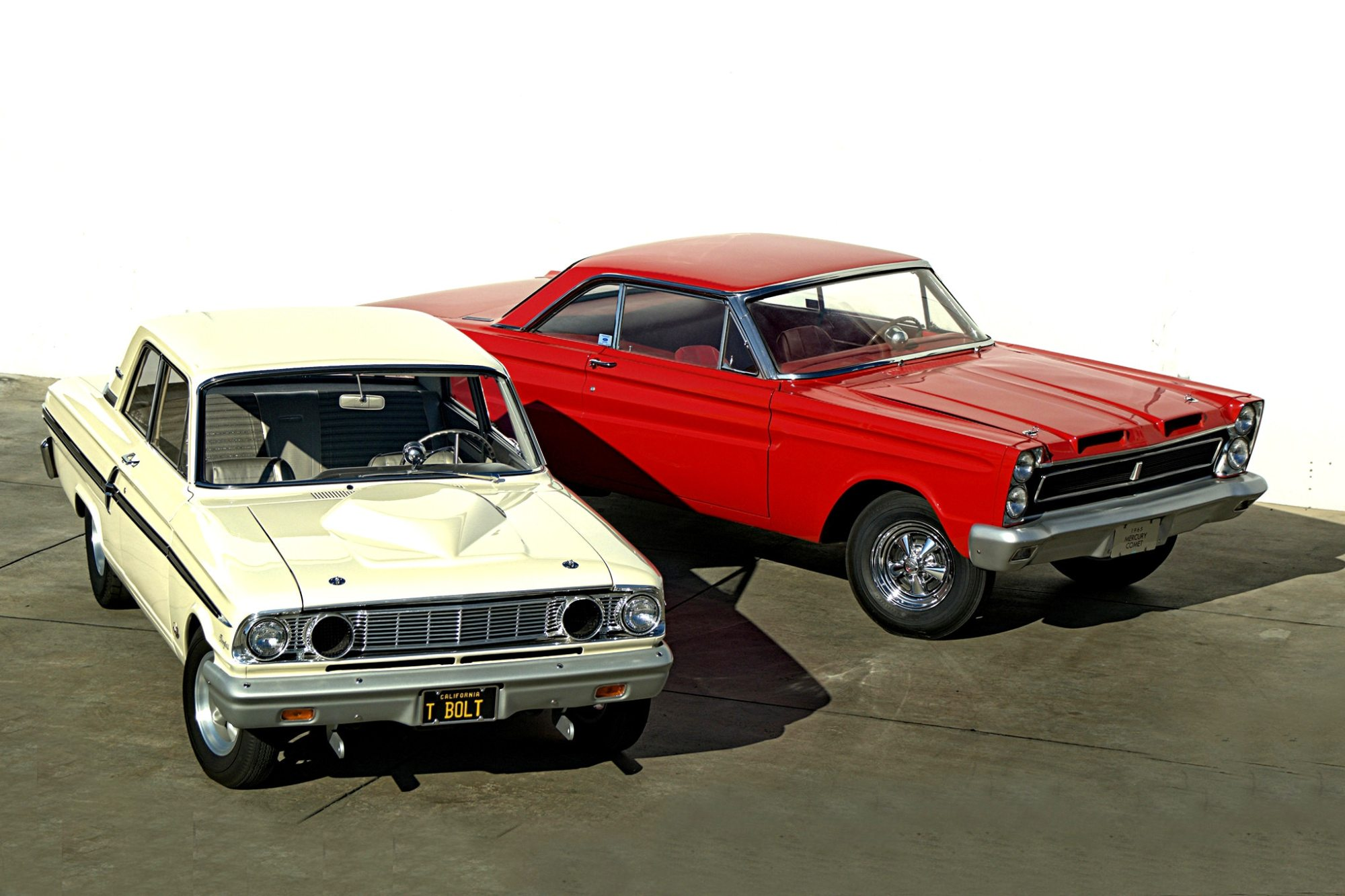 hight resolution of 1964 ford fairlane thunderbolt and 1965 mercury comet cyclone represent ford drag racing history of the mid 1960s