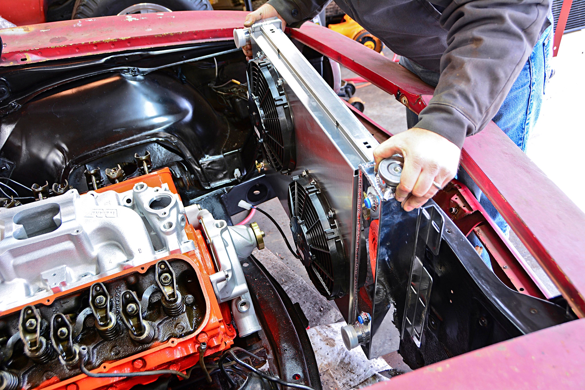 hemi engine swap guide 5 7l and 6 1l hemis for early mopars hot rod network [ 1920:1280 x 1920 Pixel ]