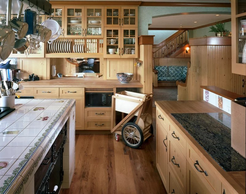 traditional kitchen by Richard Brown Architect AIA