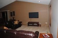 HELP, boring living room