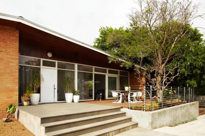 midcentury exterior by Sharyn Cairns