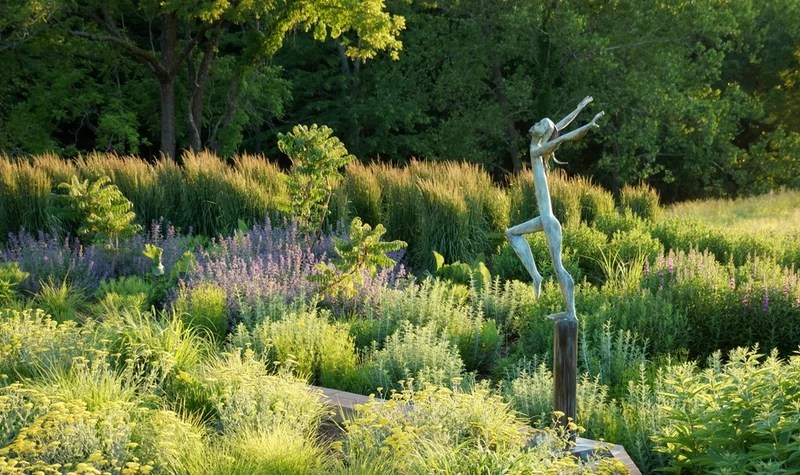 contemporary landscape by Adam Woodruff + Associates, Garden Artisans