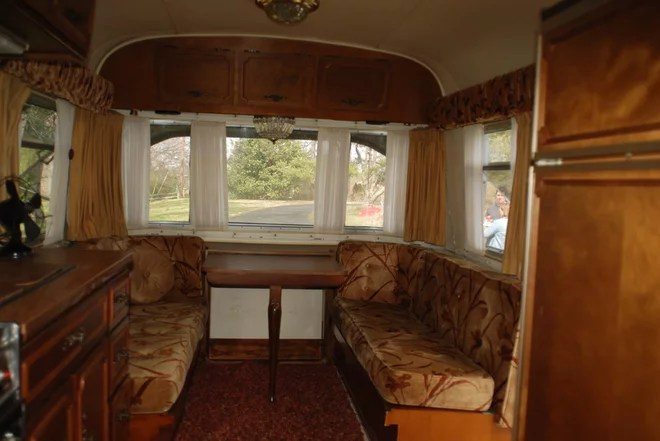 A 1970s Avion Camper Gets a New Groove