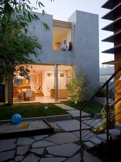 Modern Exterior by Glynn Designbuild, Inc.