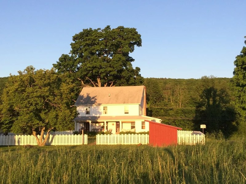 farmhouse exterior by Rafe Churchill: Traditional Houses