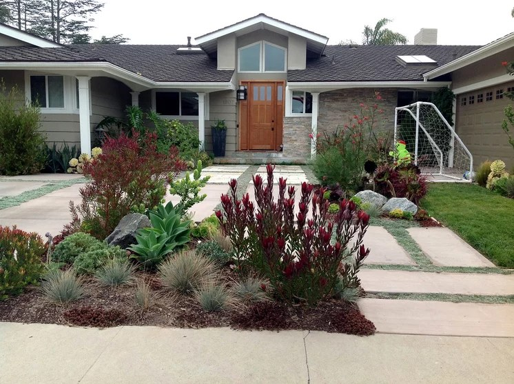 Traditional Exterior by Camille Beehler Landscape Design