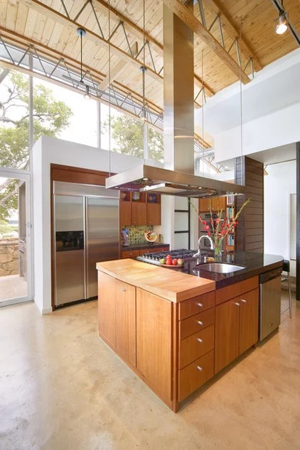 modern kitchen by Domiteaux + Baggett Architects, PLLC