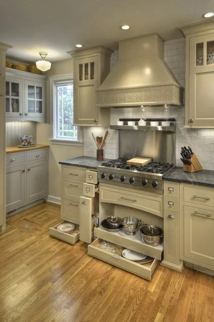 contemporary kitchen by Chris Donatelli Builders