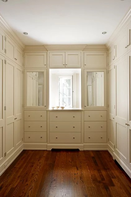 Traditional Closet by 3north