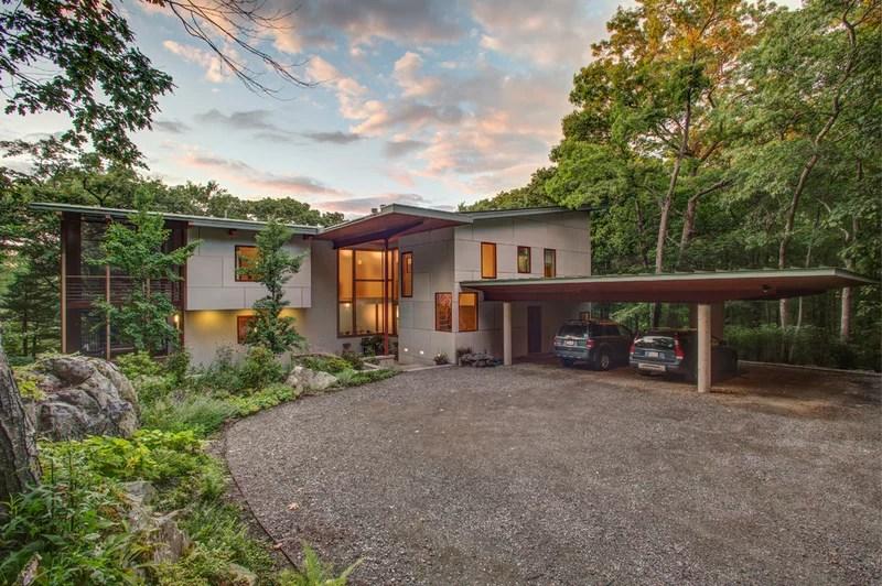 contemporary exterior by Julie Moir Messervy Design Studio (JMMDS)