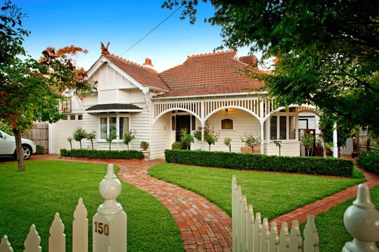 Farmhouse Country Style