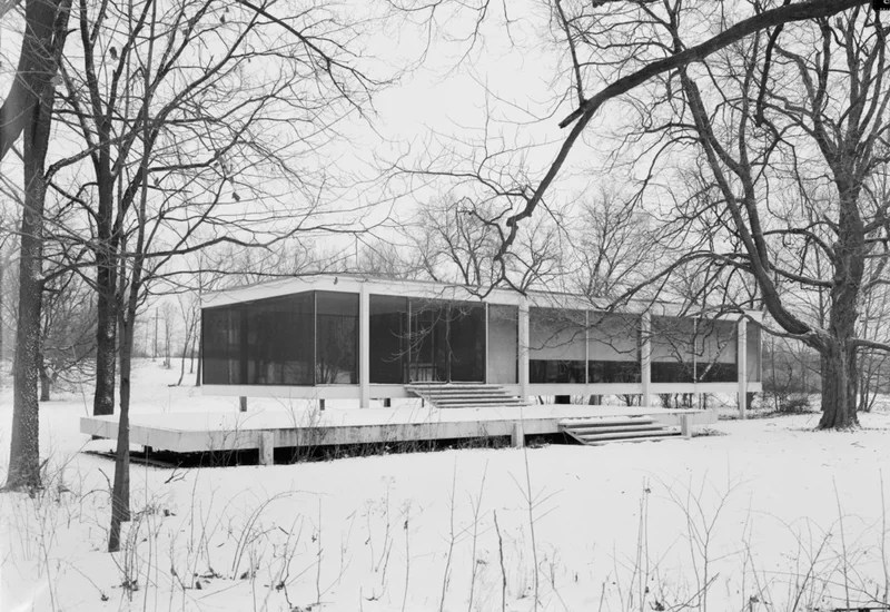 modern exterior Farnsworth House