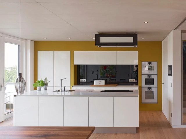Contemporary Kitchen by AMP Architekten