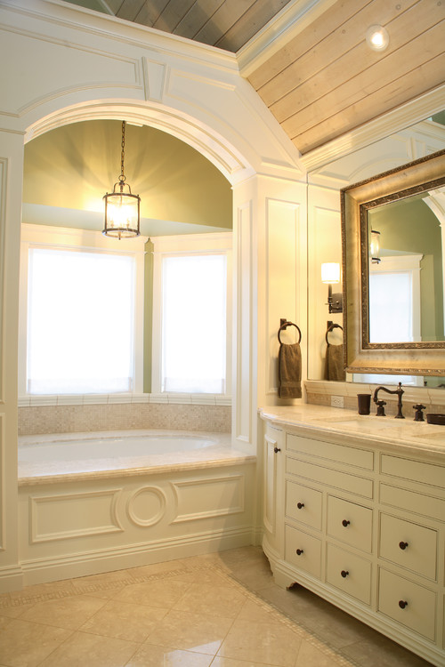 Reaume Construction & Design traditional bathroom