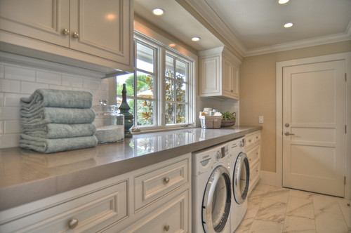 1512 Dolphin Terrace traditional laundry room