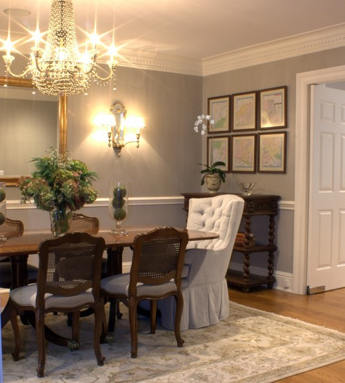Here S A Dining Room From Houzz With Sort Of Similar Furniture Same Wall Color And French Chandelier Though More Traditional Than Mine