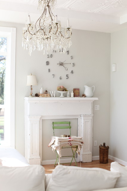 http://dreamywhites.blogspot.com/ eclectic living room