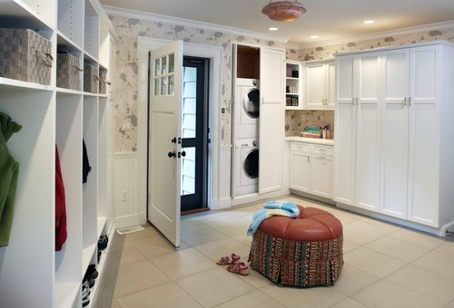 Center Street Mudroom traditional entry