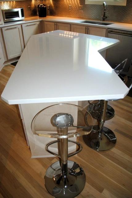 Silestone Quartz in White Zeus  Contemporary  Kitchen