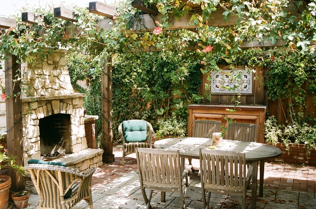 Vernon Residence eclectic patio