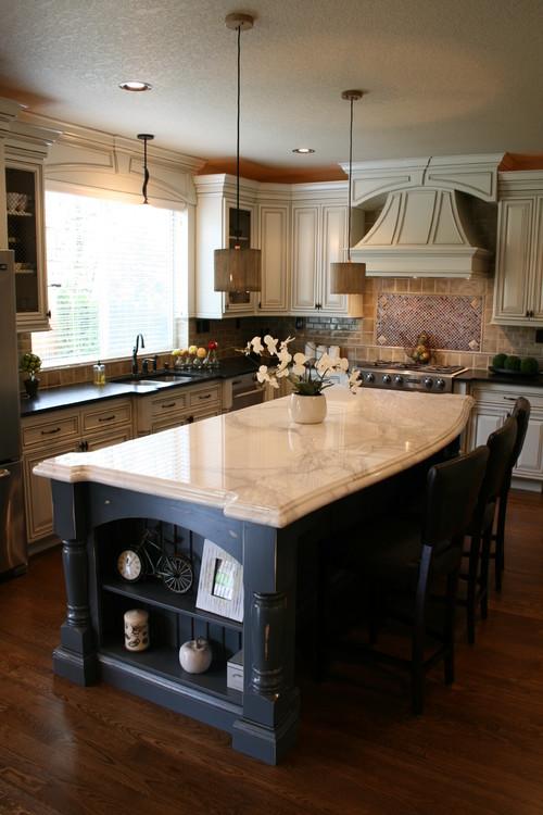 Many Pendants Should Hang Over Kitchen Island
