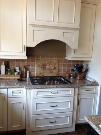 Schuler cabinets in White Chocolate Main/Heirloom Black ...