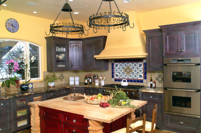 mediterranean kitchen by Nunley Custom Homes