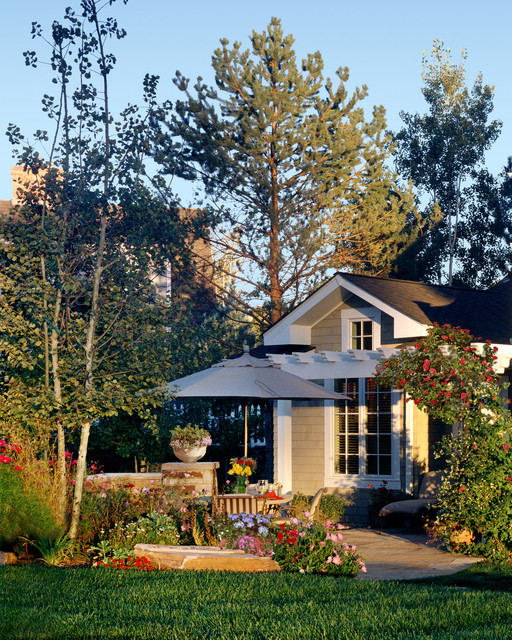 craftsman style home - traditional