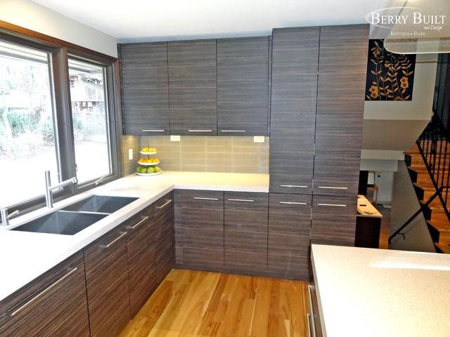 Dining room floor tile designs for Dining room tile designs