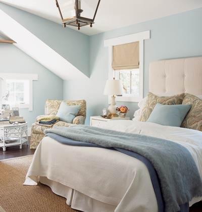 simple light blue walls master bedroom Hálószoba szín - a több alvás és több szex titka - Interiors