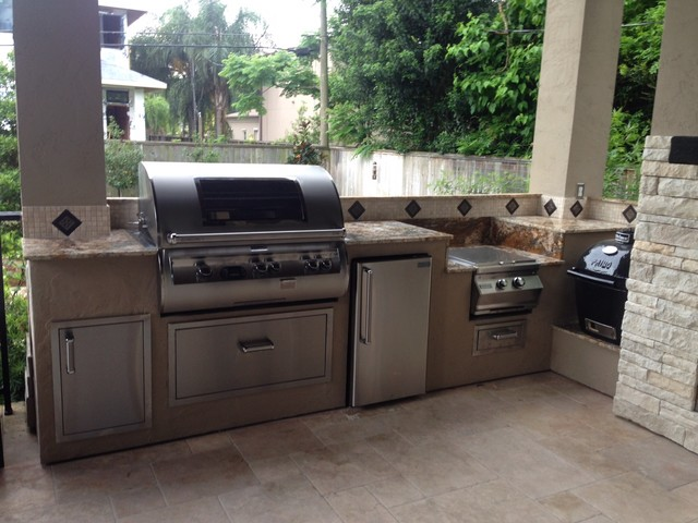 Houston outdoor kitchen goes Mediterraneanmodern