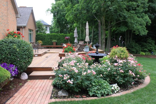 relaxing deck - traditional landscape