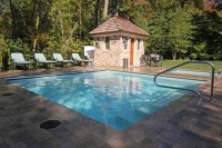 Square shaped Pool & Spa - Traditional - Pool - chicago ...