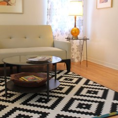 Large Sofa Throws Ikea Leather Brown Or Black Vintage Amber Glass Lamp And Mid Century Modern End Table ...