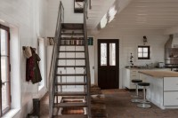 Cabin in Fitch Bay, Quebec - Rustic - Staircase - montreal ...
