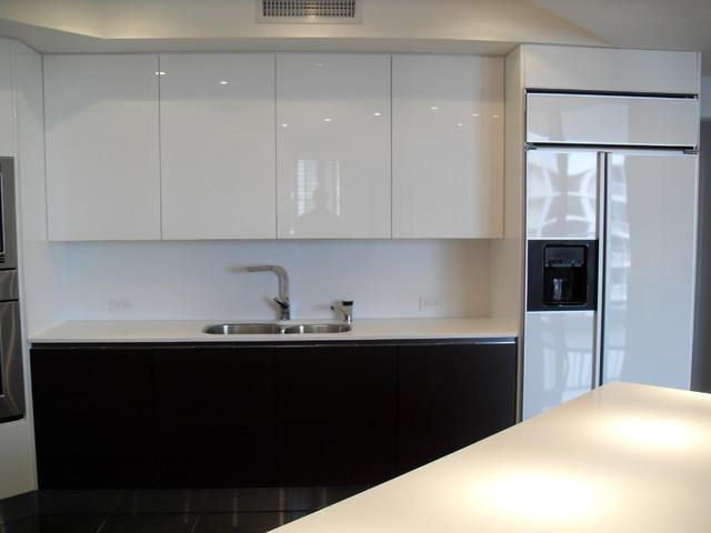 HIGH GLOSS WHITE  DARK WOOD KITCHEN  Modern  Kitchen