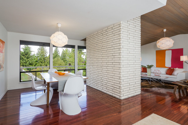 modern dining room by FJU Photography