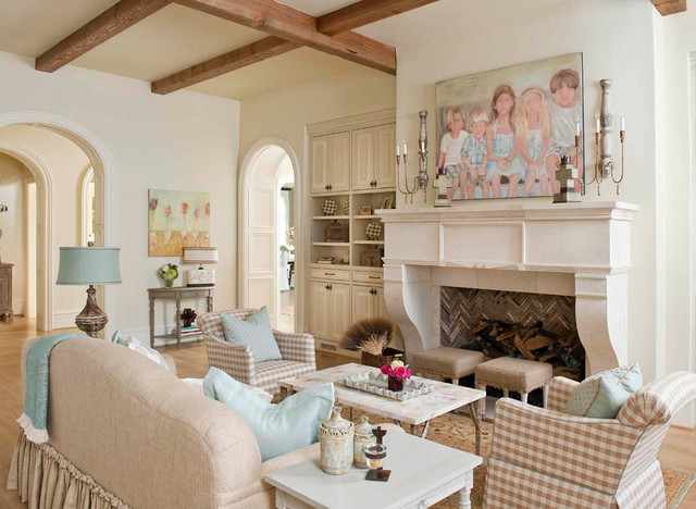 25,000 SF of Luxury traditional living room