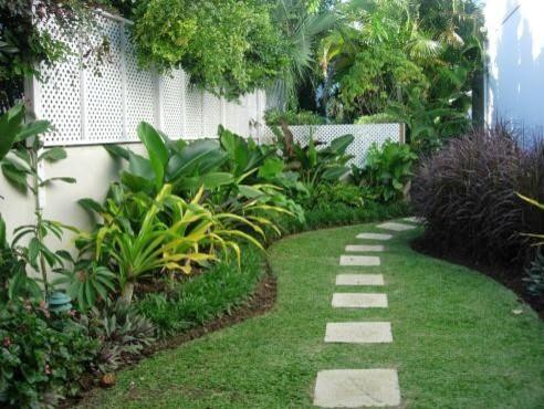villa garden renos