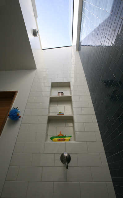 Sunny Bathroom Skylight Above Tub Bathroom San