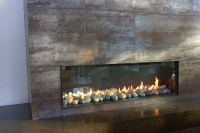 Floor to Ceiling Fireplace in Living Room - Modern ...