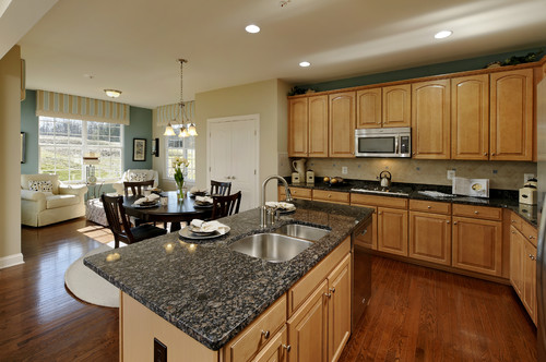 granite kitchen counters quarter sawn oak cabinets sapphire blue | countertops, slabs, tile