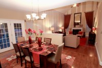 Family room & eat in kitchen space