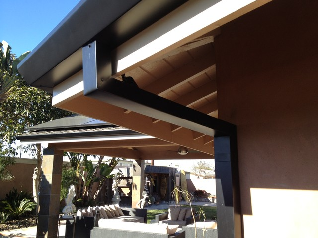 Custom cut Downspouts with contemporary Rain Gutters in