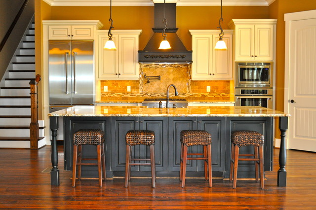 The Mountain House  Traditional  Kitchen  birmingham  by David Acton Building Corp
