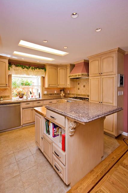 Wine Themed Kitchen Cooler Grape Tile Details